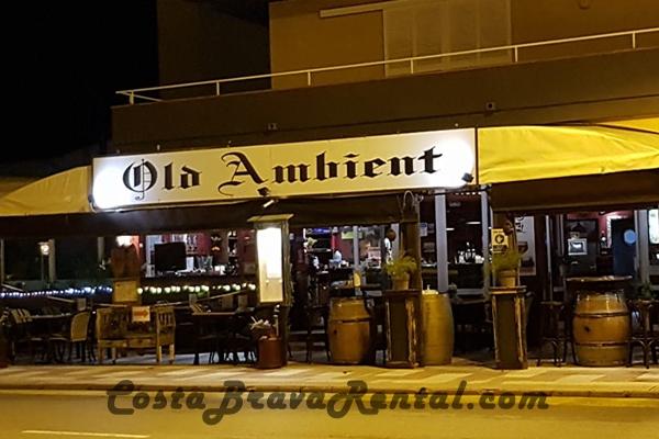 Restaurant Old Ambient in Estartit, Costa Brava, Spain, outdoor diner