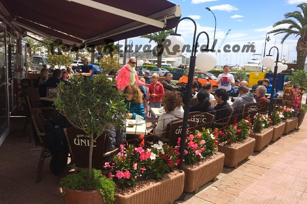 Unic Estartit, Grand Cafe, Costa Brava, Spain, Nederlands cafe, Patat en snacks Estartit, Grand Cafe Unique Estartit, Guests, Udo Estartit