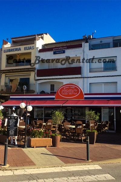 Unic Estartit, Grand Cafe, Costa Brava, Spain, Nederlands cafe, Patat en snacks Estartit, Grand Cafe Unique Estartit Terras